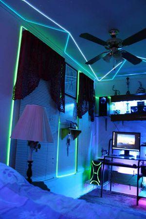 awesome neon color bedroom ideas | Glow Necklaces in 2019 | ~COOL IDEAS / DIY~ | Neon room ...