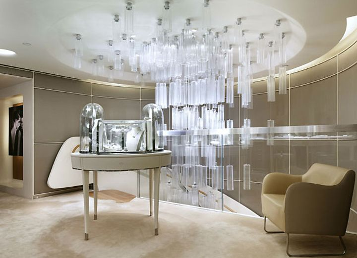 c1f1c75fae Van Cleef   Arpels re-opens flagship store in New York - Google 搜尋 ...