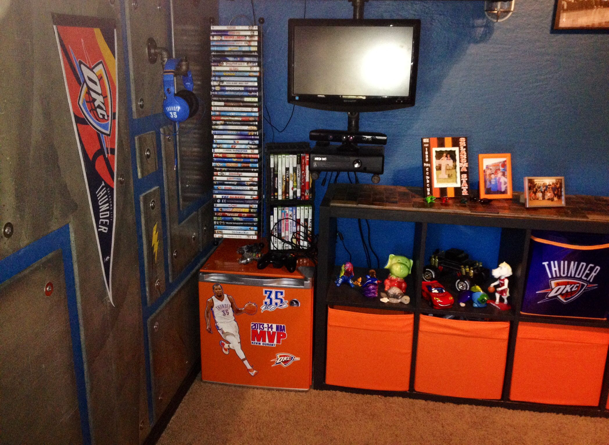 Okc thunder bedroom  Nba bedroom, Basketball bedroom, Bedroom