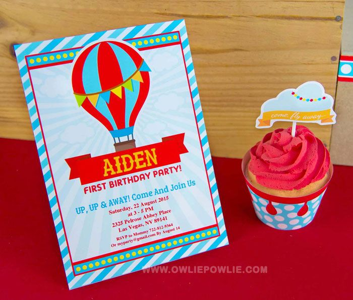 This 5x7 inch Hot Air Balloon Birthday Party Invitation is