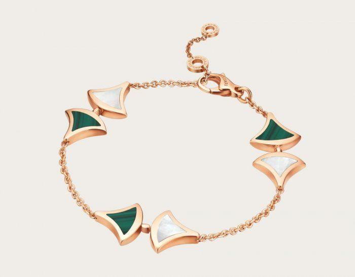 أسوارة بولغاري من الذهب وحجر المالاكيت Dream Bracelet Bvlgari Bracelet Gold Jewellery Design