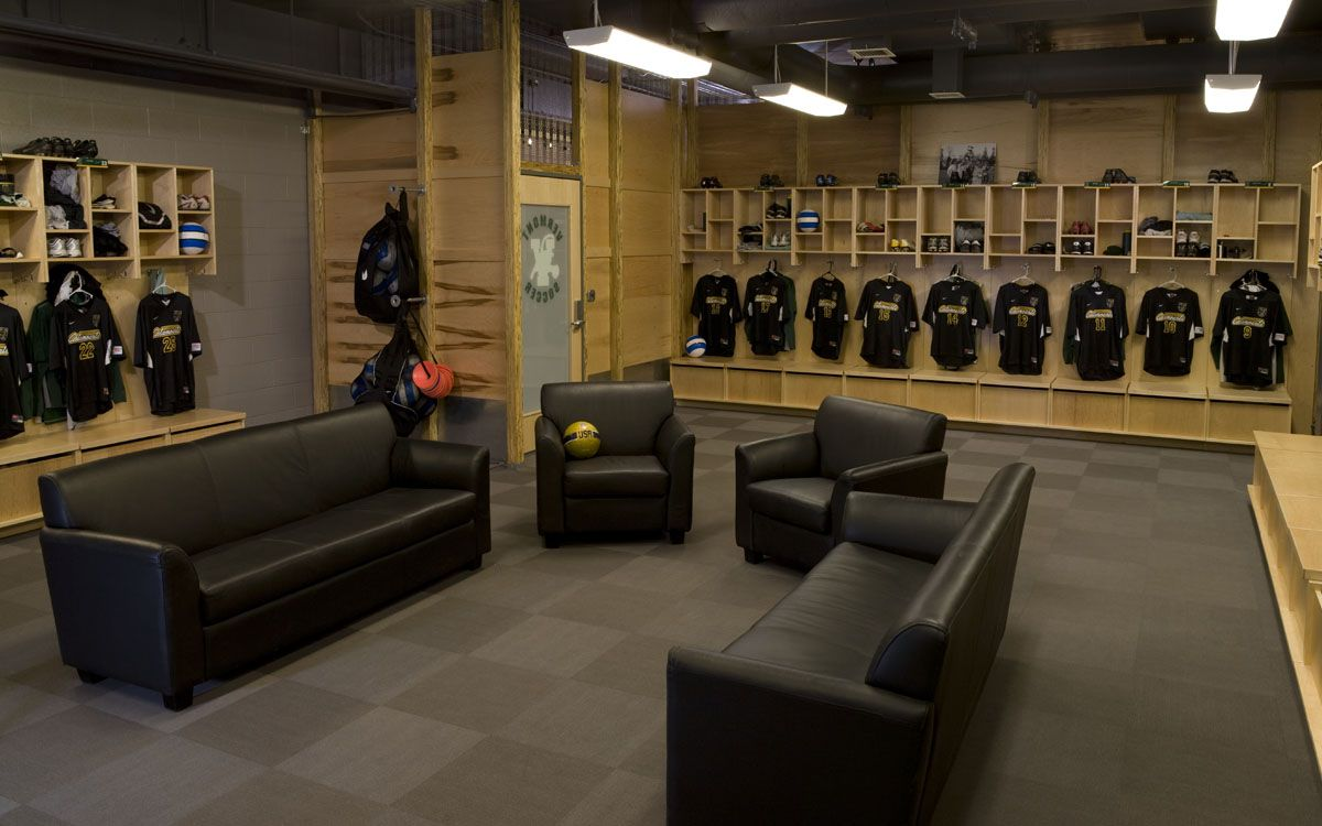 The Uvm Men S Soccer And Lacrosse Teams Turned To Truexcullins To Replace One Wing Of An Aging Public Locker Space With N Locker Room Soccer Locker Room Design