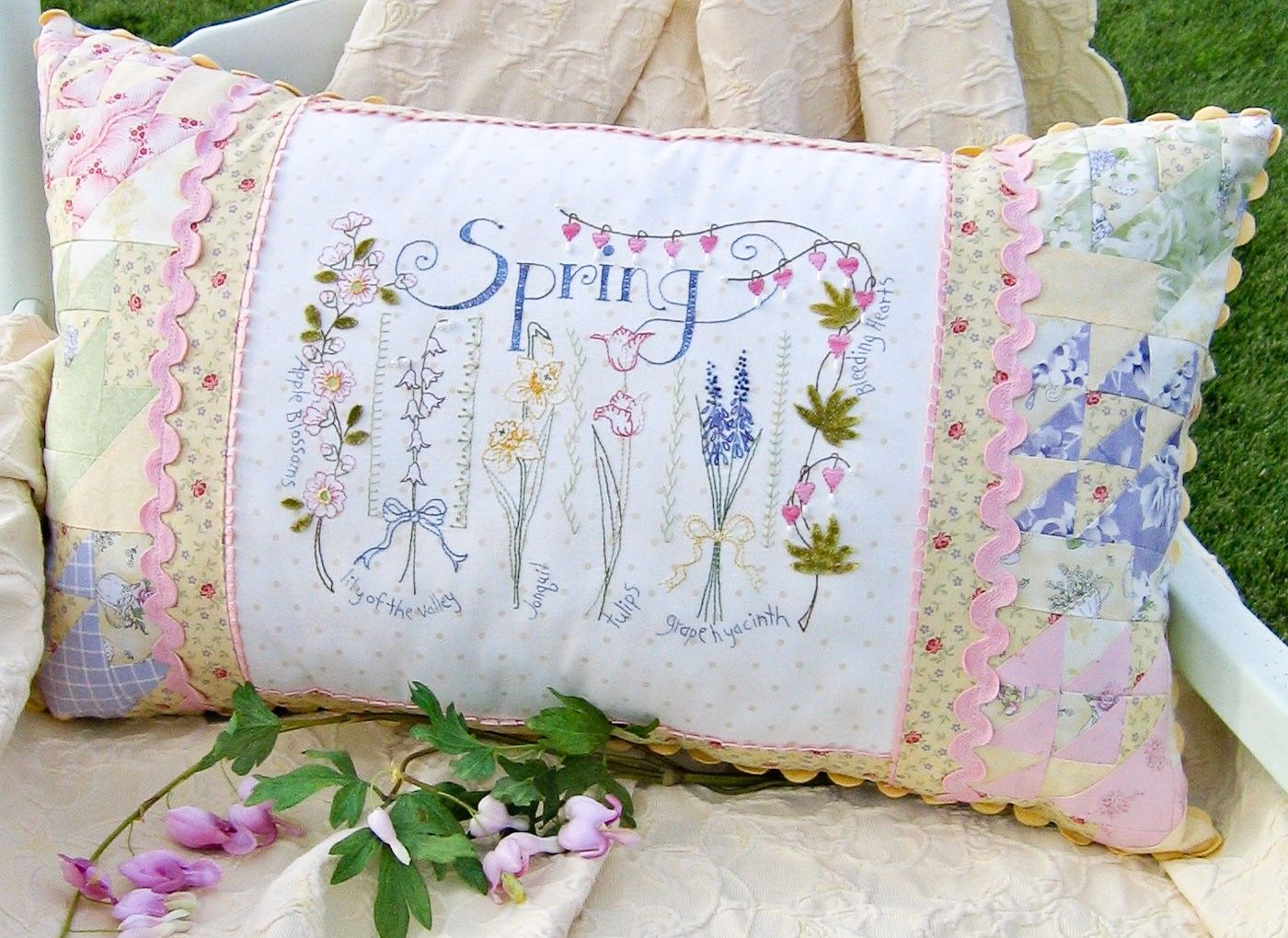 hand-embroidery-pattern-spring-sampler