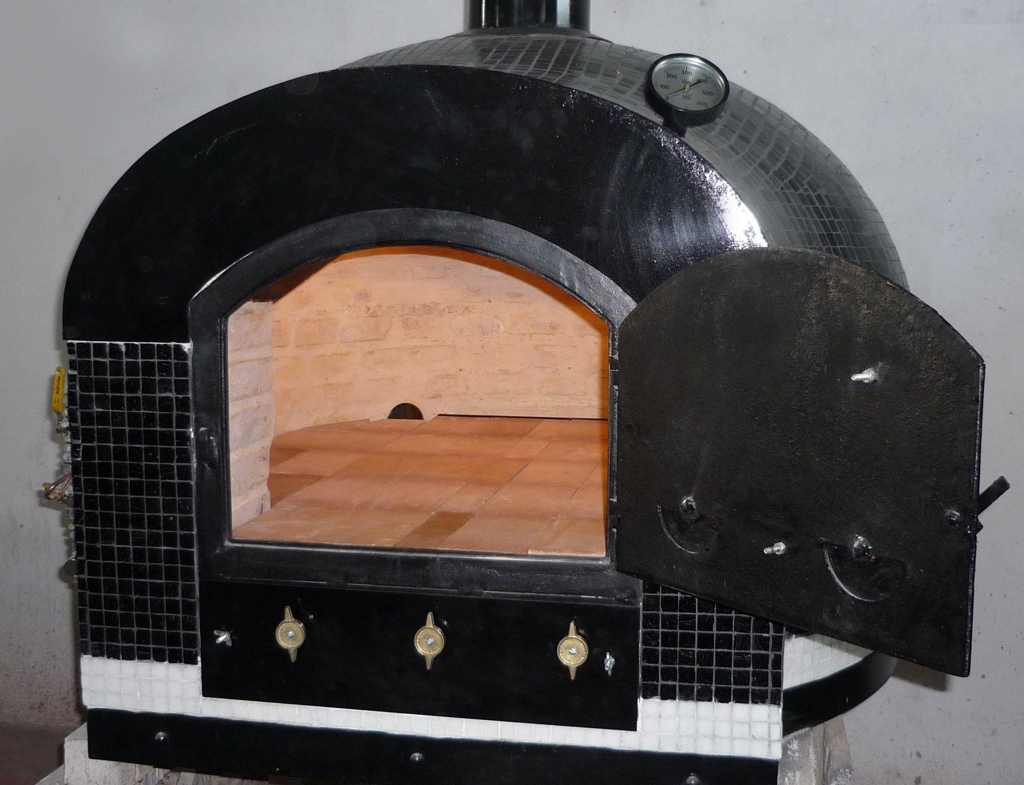 Hornos de barro a le a y a gas tatacu horno pizzero for Hornos de lena metalicos