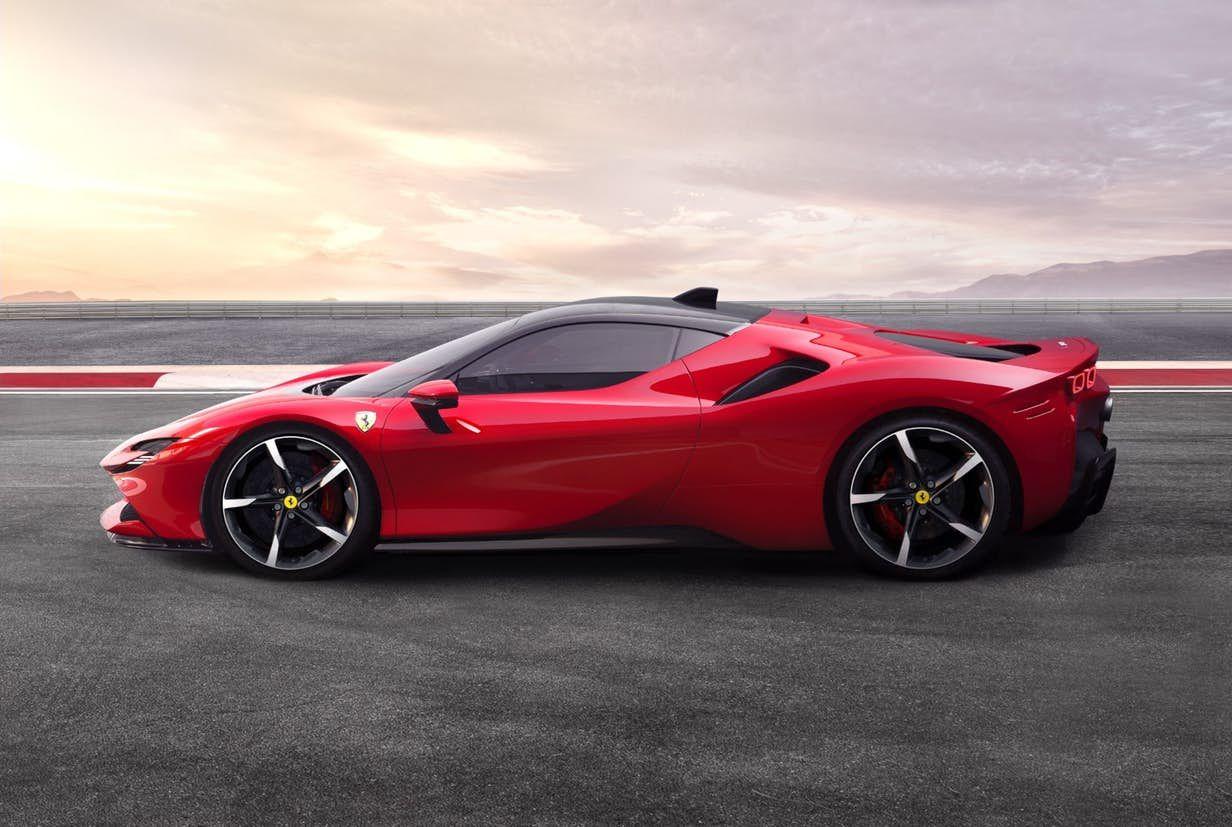 Meet The 986 Hp Sf90 Stradale Ferrari S New Awd Plug In Hybrid New Ferrari Super Cars Ferrari