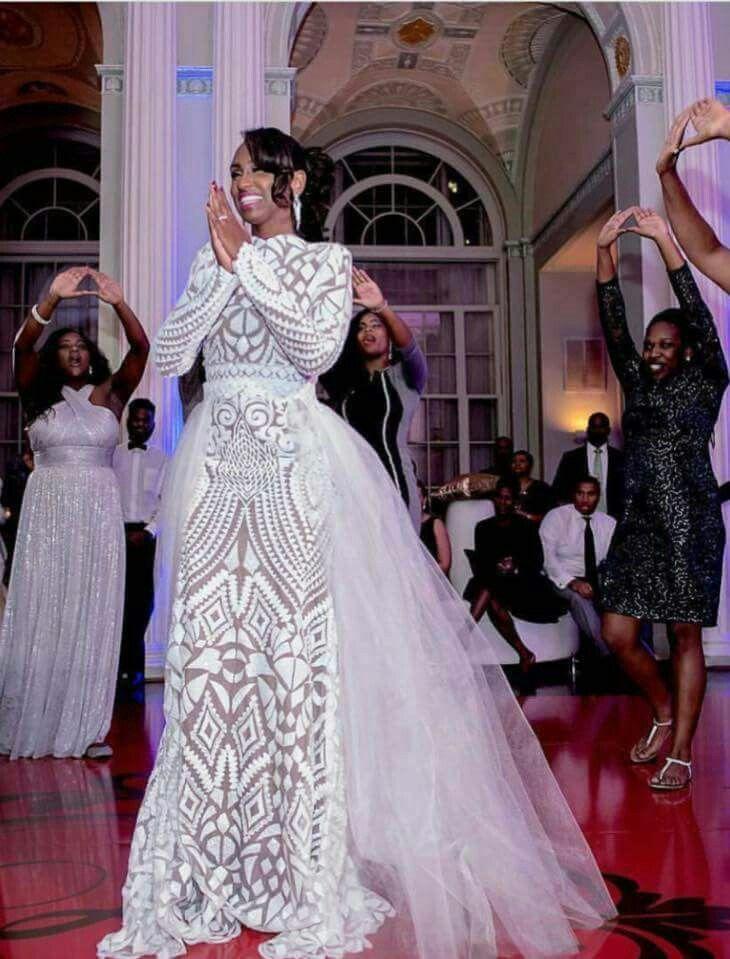 Pin By Laura On Noivas African Wedding Dress Nigerian Wedding Dress Wedding Dresses