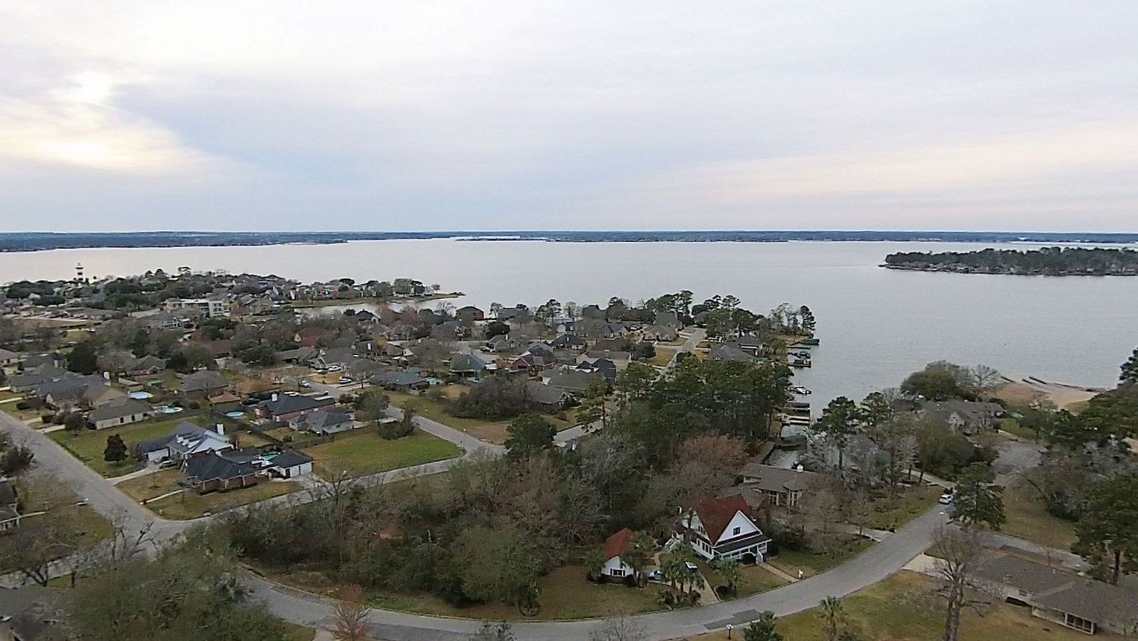 5239 Lakeshore Dr _ Seven Coves _ lake Conroe _ Lakefront Community _ Willis _ TX _ www.TravisRE.com . (17) | Flickr - Photo Sharing!