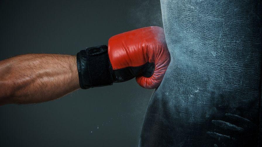 Boxing Glove Hit Hd Wallpaper Download Punching Bag Kids Punching Bag Boxing Gloves