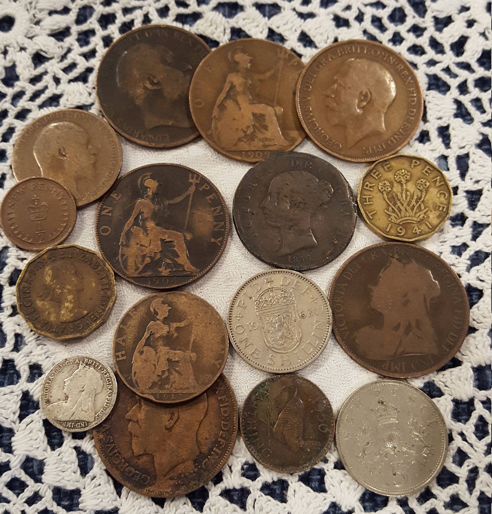 1960s Queen V to Queen Elizabeth ^ 1900s LOT OF 20 UK BRITISH PENNY COINS 1899
