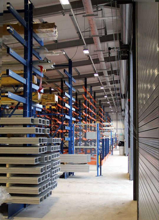 Mecalux Uk.Example Of Mobile Cantilever Racking For Hepco Motion Case