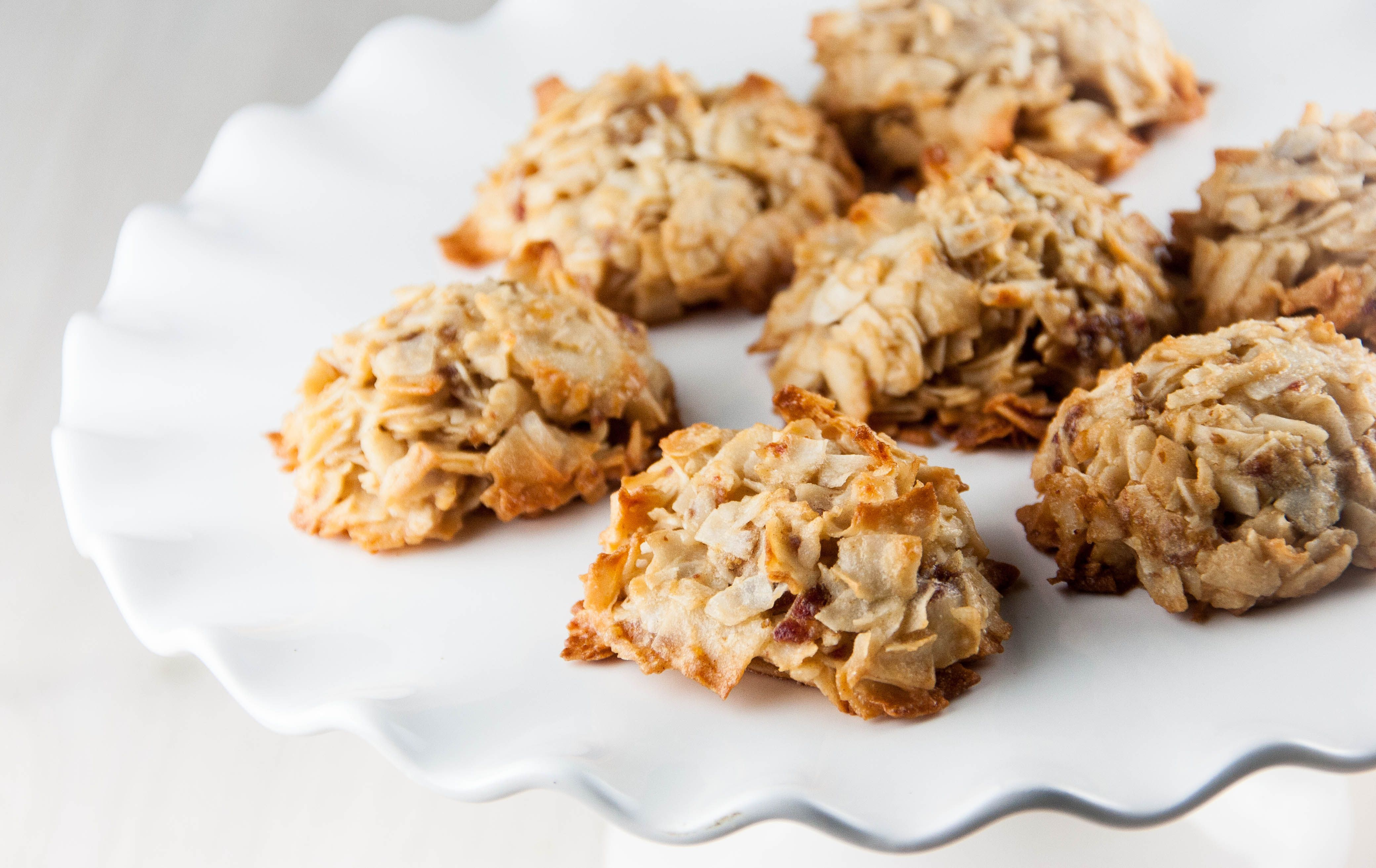 Coconutdate macaroons gluten free cookie bars