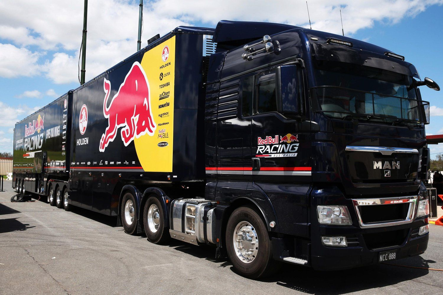 Red Bull Transporter Hauler Bull Trailer Red Bull Racing Cool Trucks