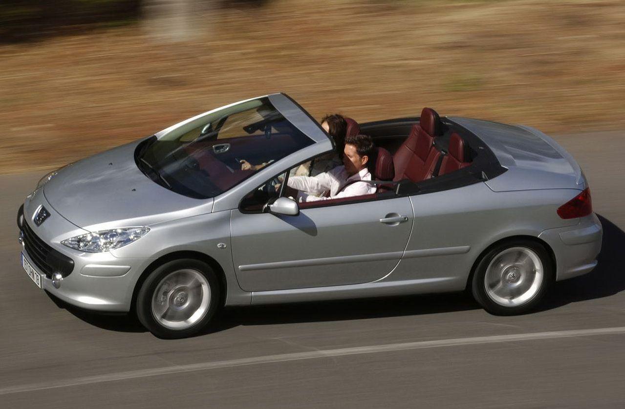 Ako Ste Si Haresali Peugeot 307 Cc Vizhte Kakvo Se Krie Pod Kapaka Mu Http Blog Autocredit Bg Avtomobili Za Lyatoto No Na Kakva Tsena With Images Peugeot Car Sports Car