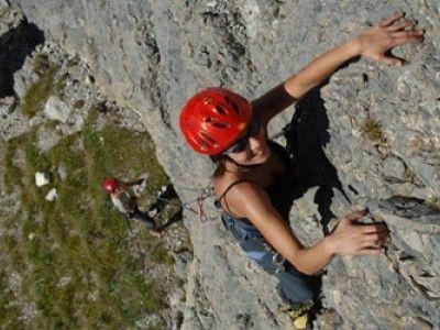 Prova la palestra di roccia a #Folgaria e naviga in 4G con Vodafone #EstateSmart #itinerari4g http://voda.it/4g-estate
