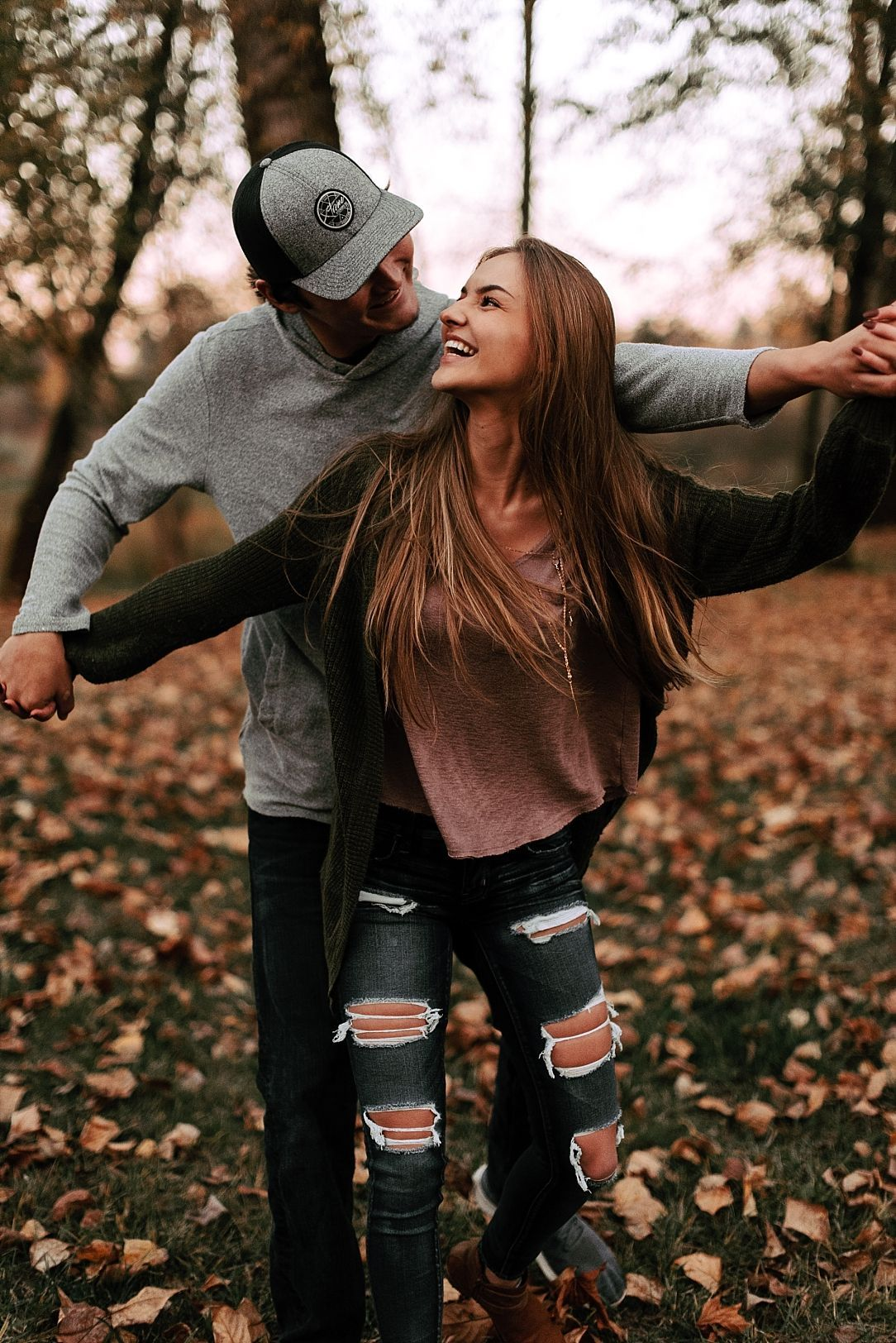 Playful Fall Couple Session Couplegoals Couple Photography Poses Couple Photoshoot Poses Couples Photography Poses Boyfriends