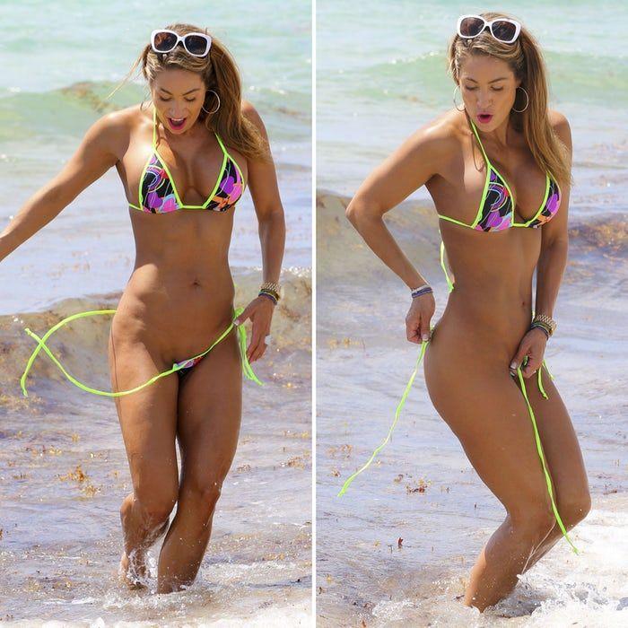 ead7406f96 Jennifer nicole wardrobe malfunction celebrity bikini beach bikini girls  celebs celebrities jpg 700x700 Celebrity in tankini