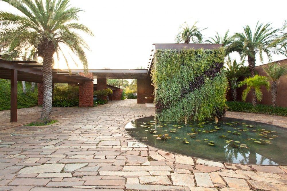 Nova Lima House / S+A Brazil