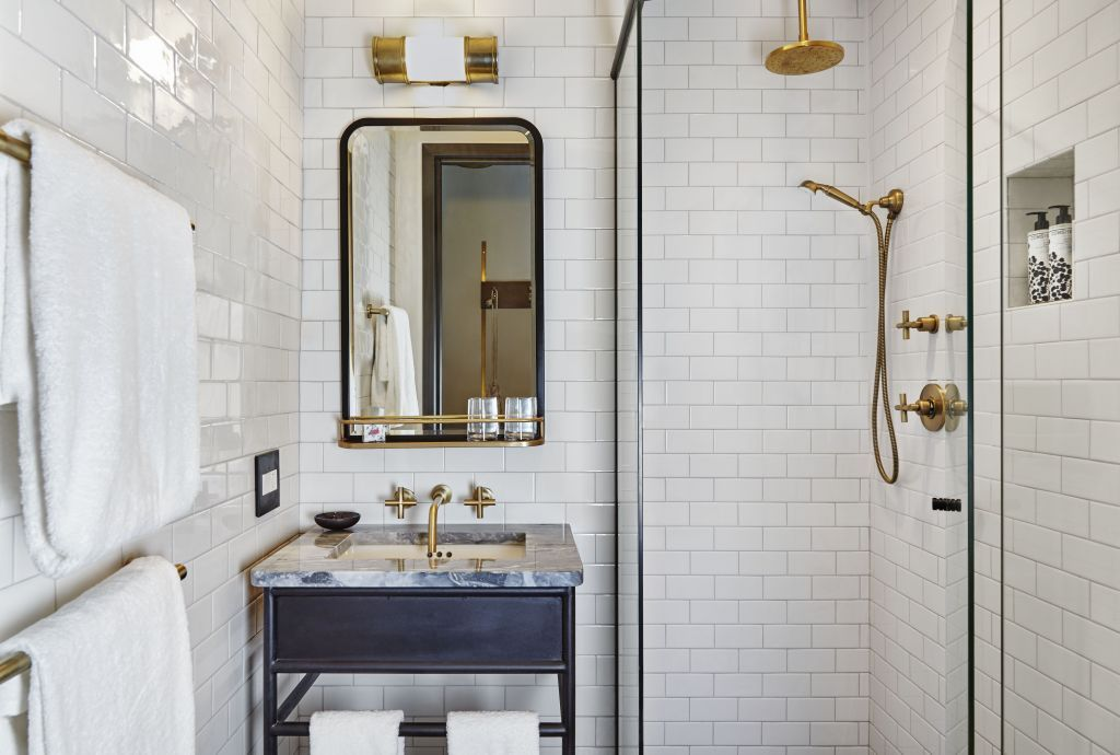 Hotel Bathroom Design Lovely The Hoxton Hotel In ...