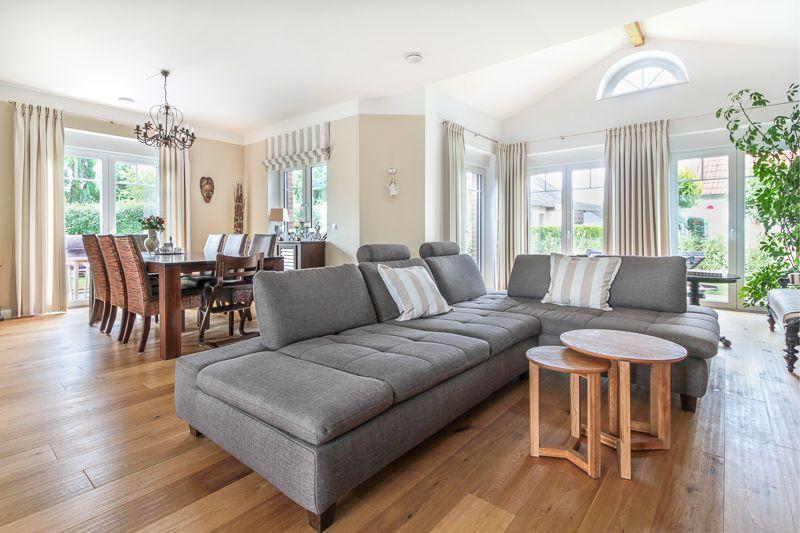 offener wohn und essbereich im friesenhaus von eco system haus bauberichte romantisch. Black Bedroom Furniture Sets. Home Design Ideas