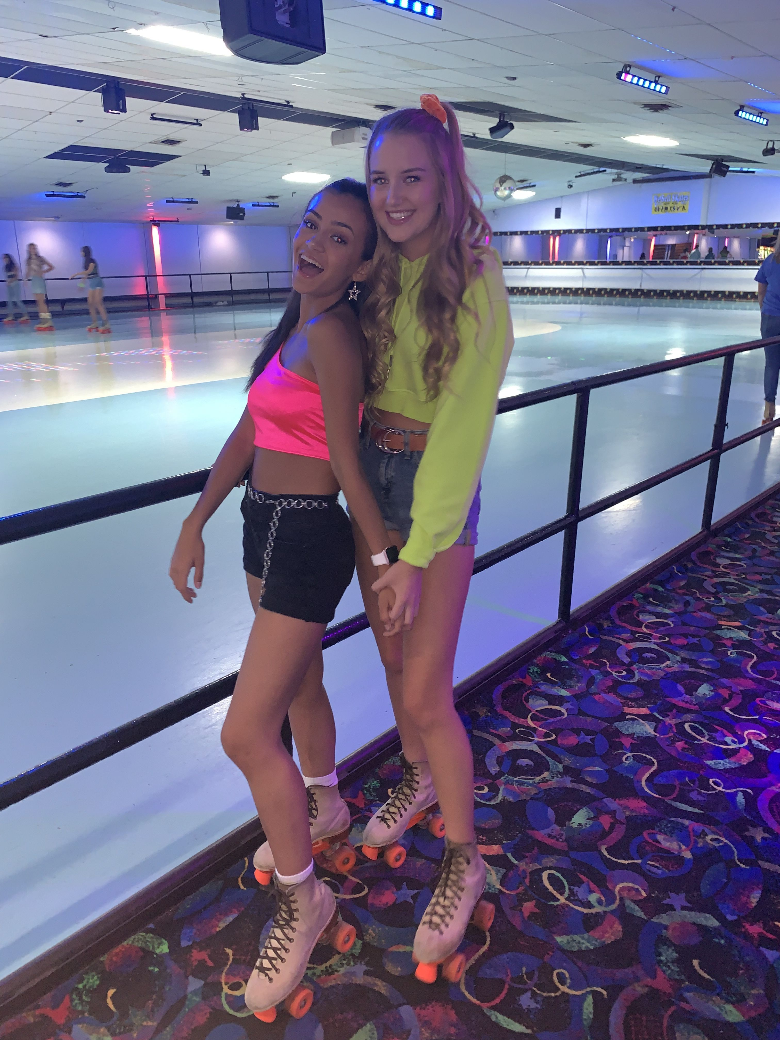 #instagram #rollerskating #rollerskates #vscoaesthetic #vsco #vscocam #80spartyoutfits  #80sparty #bestfriends #bffgoals #friendship #friendphotos #summer #summervsco #summerstyle