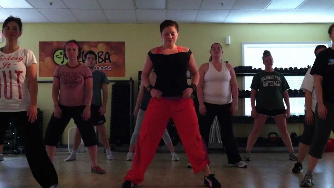 Zumba Fitness Jennifer Lopez Feat Pitbull On The Floor With Images Zumba Videos Zumba Workout Heath And Fitness