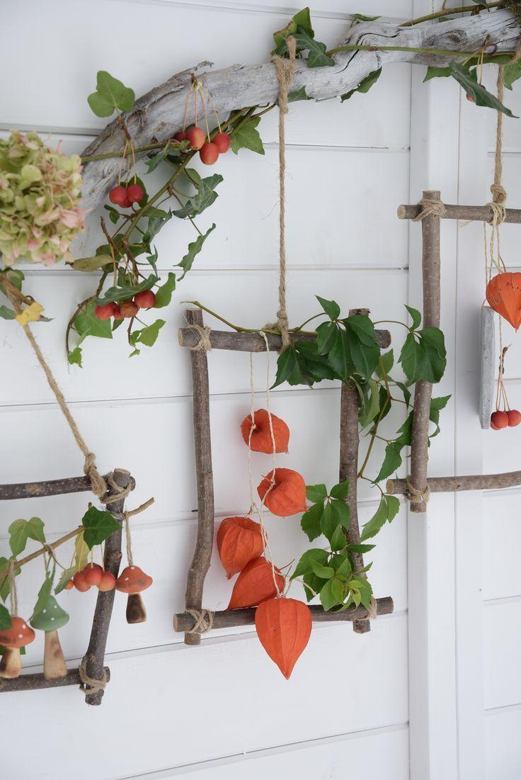 Mit dem Herbst ziehen bunte Farben in unsere vier Wände. Wie ihr aus Naturmater #herbstlicheaußendeko