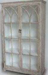 Näyttävä lasivitriini kauneimmilla ovilla | sateenkaarentaa