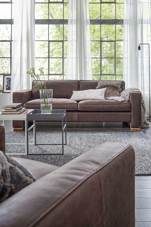 Prädikat wertvoll Feinstes Leder und fühlbare Qualität beim Sofa