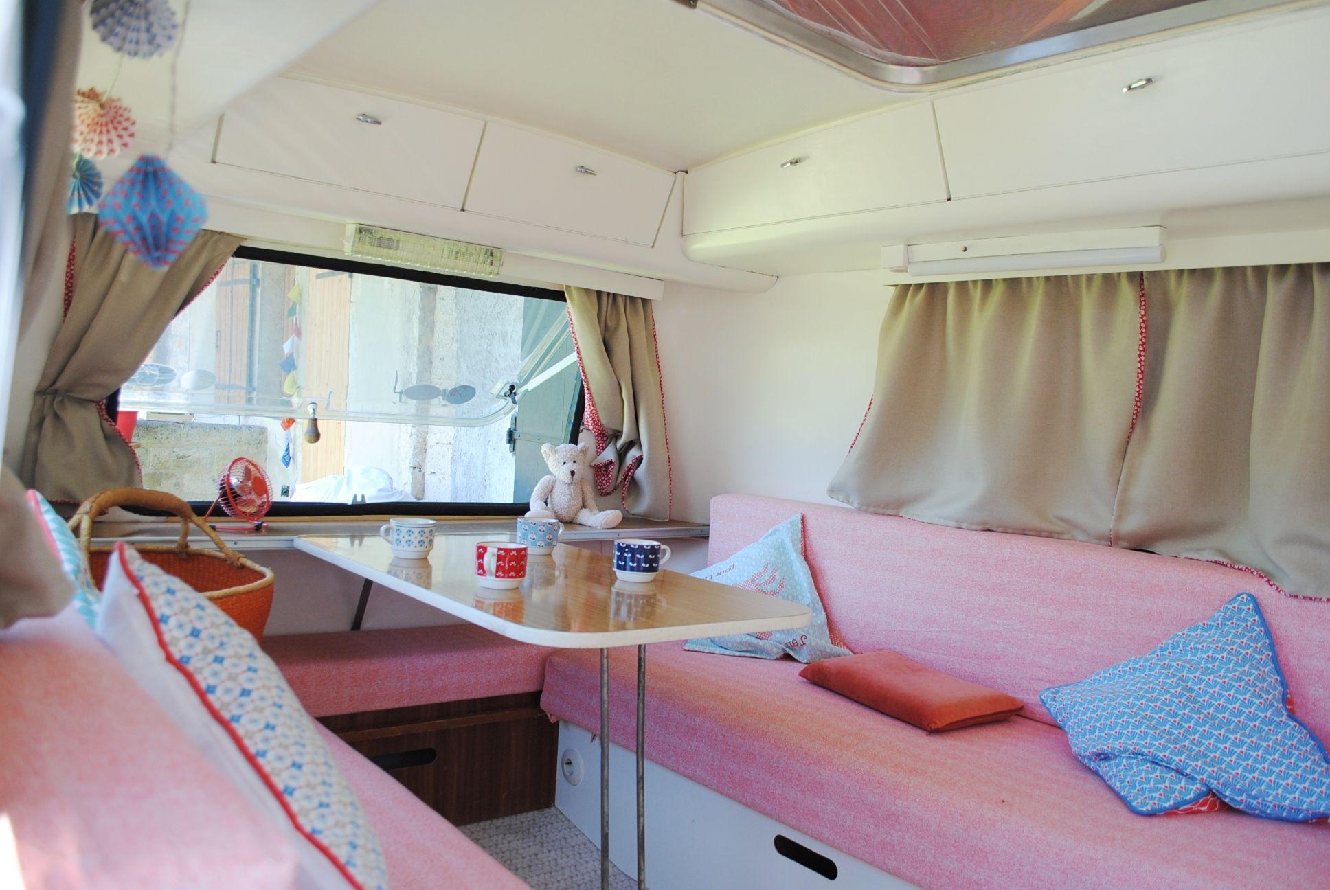 int rieur eriba pan relooking caravane eriba en 2018. Black Bedroom Furniture Sets. Home Design Ideas