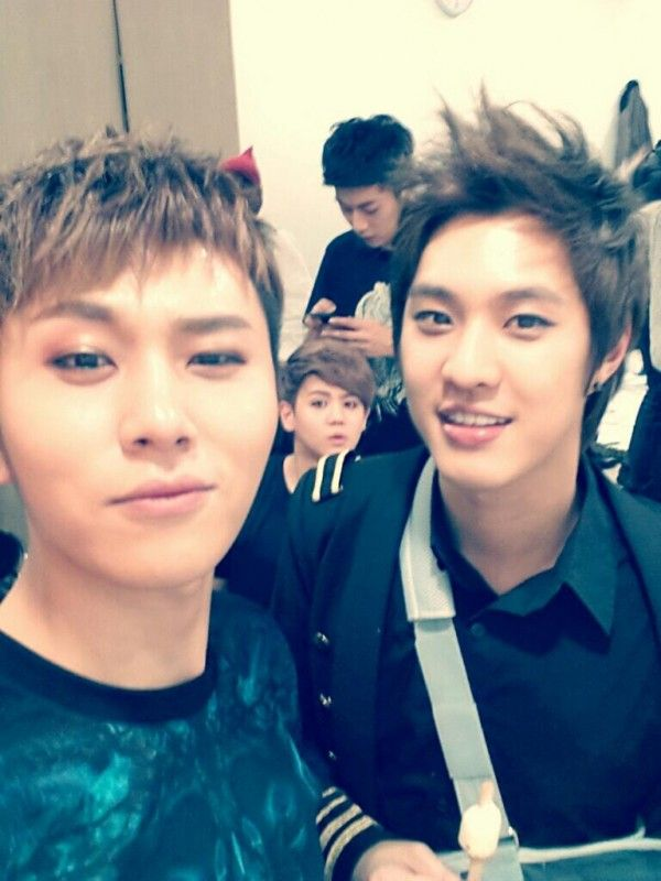 Mblaq S Seungho And B2st Snap A Friendly Photo Together Korean Singer Korean Pop Korean Celebrities