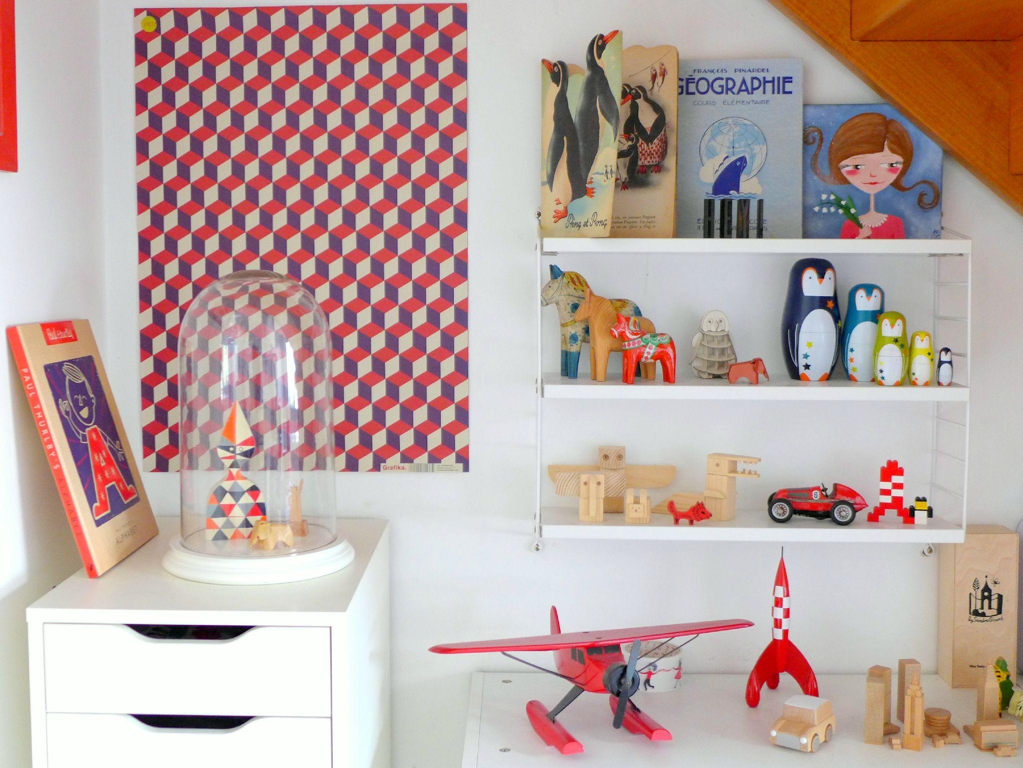 #string shelf