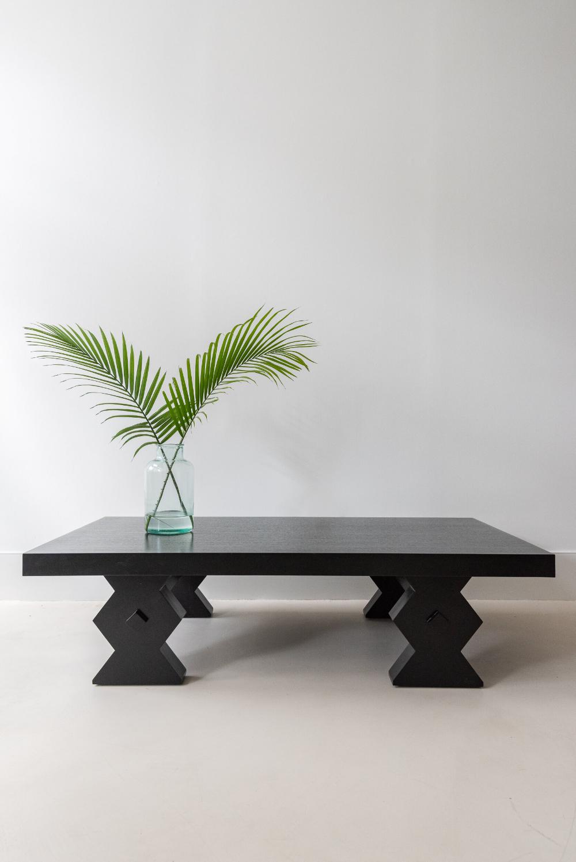 Suzu Coffee Table Sunday Shop Coffee Table Minimalist Coffee Table Round Black Coffee Table [ 1498 x 1000 Pixel ]