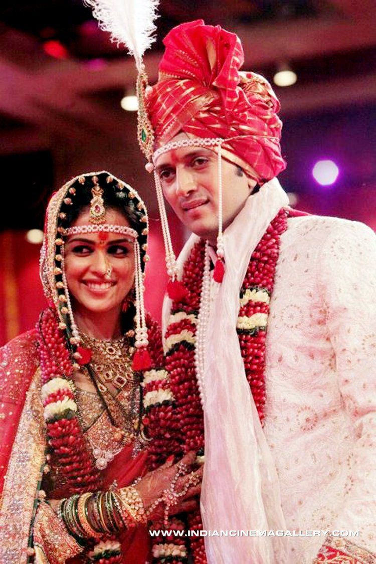 Its All Fun Wedding When Bubbly Genelia Ties The Knot With Riteish Deshmukh