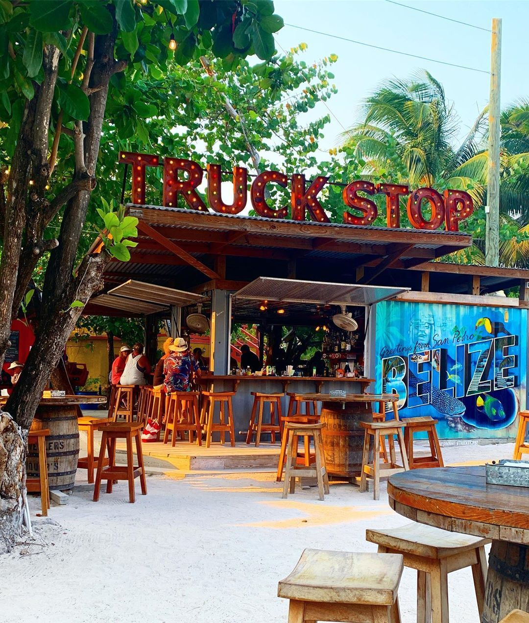 Food Truck Game On In Belize Who Knew The Truck Stop Is Across The Bridge On The North Side Of The Isl Outdoor Restaurant Food Truck Games Beach Trip