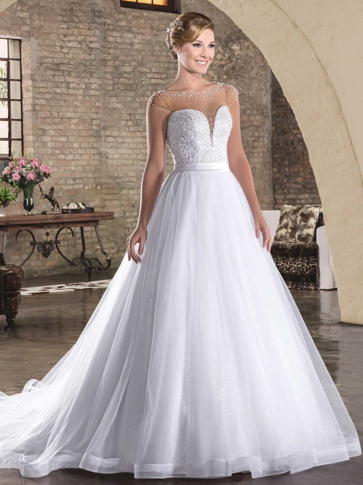 Pin by Anna Schoof on Wedding dresses and ideas!!! | Pinterest ...