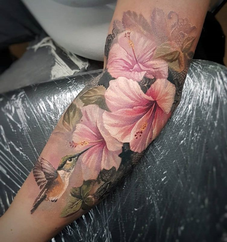 Hummingbird Pink Lilies Uncategorized Animal Tattoos Arm Tattoos Birds Cute Tattoos Floral Tatt Floral Tattoo Sleeve Realistic Flower Tattoo Bird Tattoos Arm