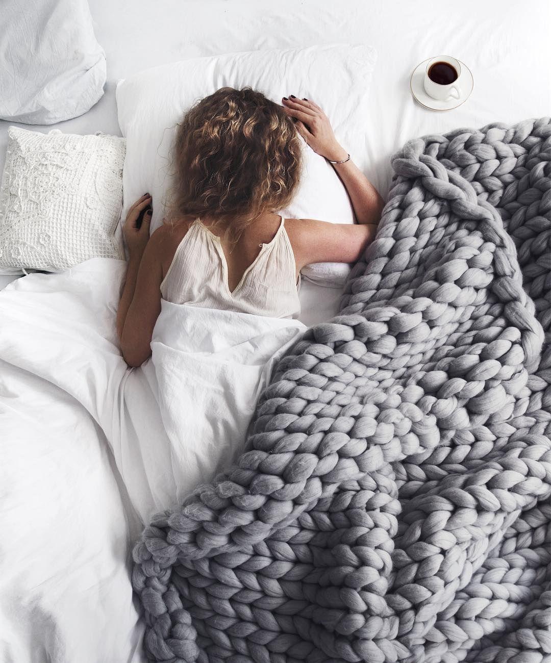 Pin Von Evie Auf Aesthetics Grob Gehakelte Decken Decke