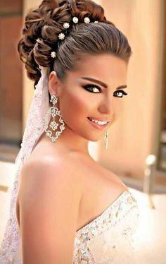 Hairstyles For Brides top 25 best bride hairstyles ideas on pinterest elegant wedding hairstyles hairstyles for brides and elegant wedding hair 40 Chic Wedding Hair Updos For Elegant Brides