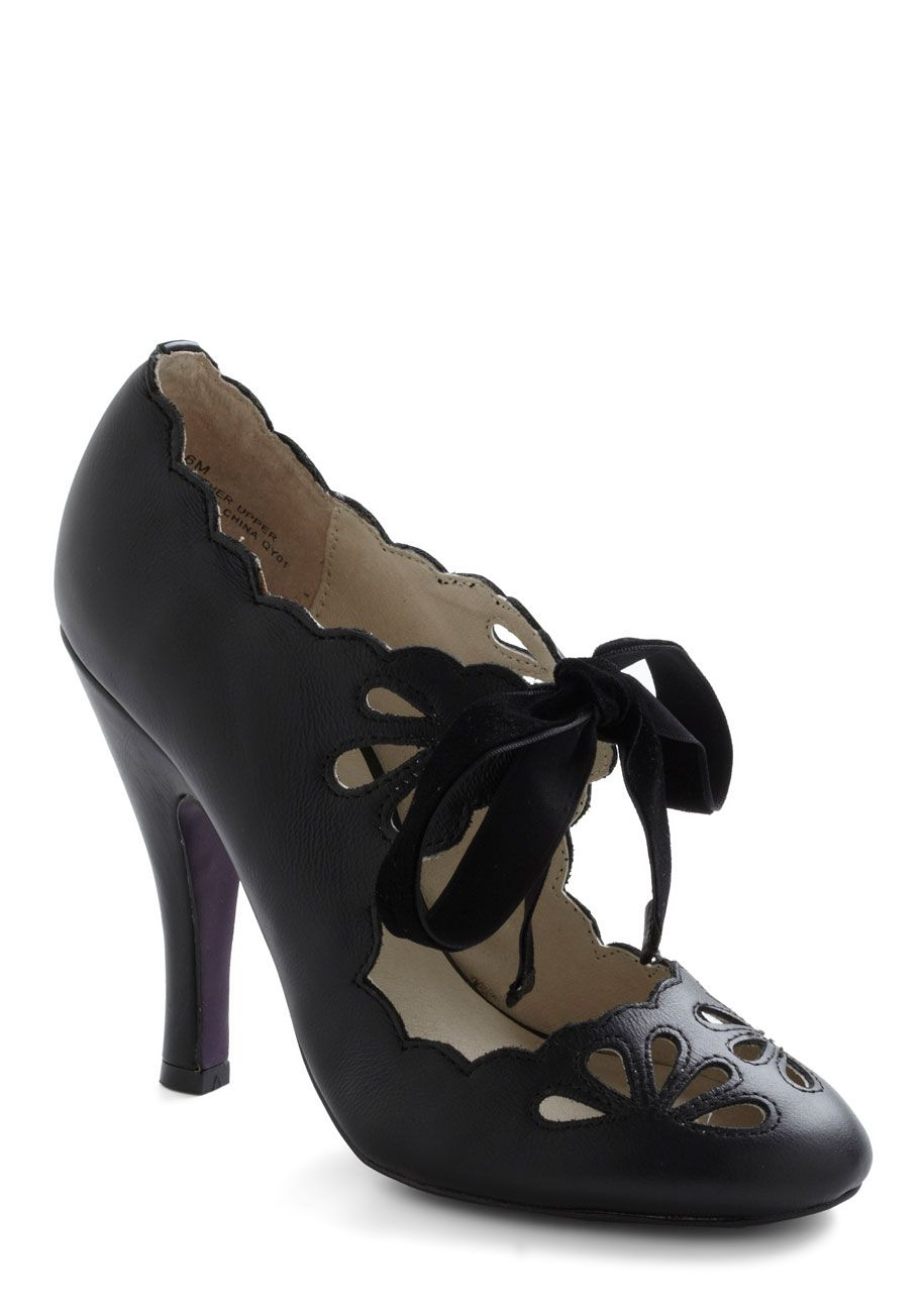 Dainty Dramatist Heel in Noir - Black, Solid, Cutout, Scallops, High, Leather, Party, Vintage Inspired