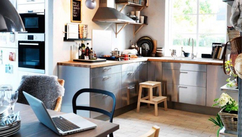 Esprit Cosy Dans Cette Cuisine Ikea Chaleureuse Les Meubles En - Cuisine alu et bois