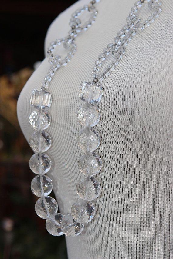 perle di ialino ed anelli di perline ialine