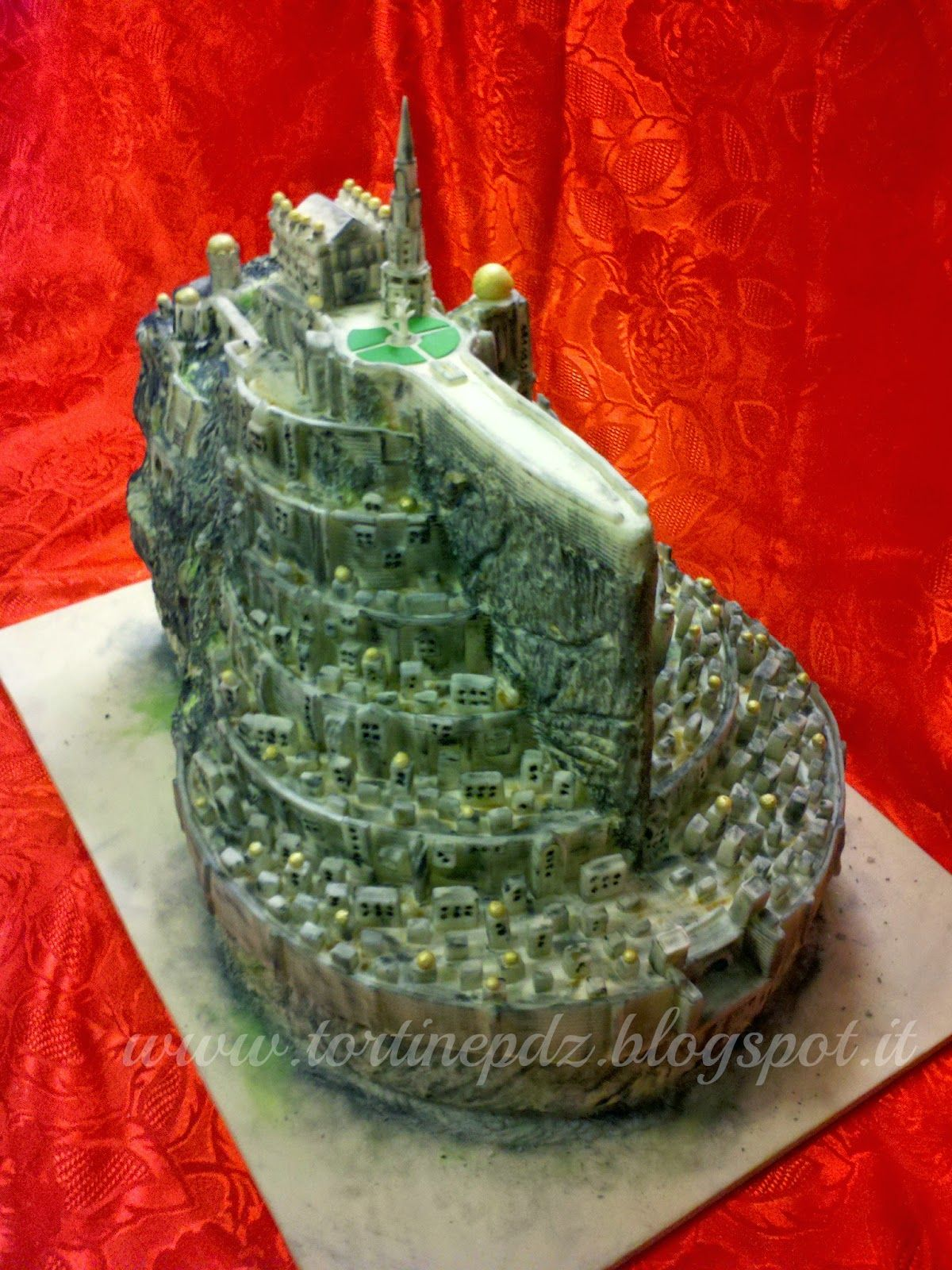 Fortezza di Minas Tirith del Signore degli anelli