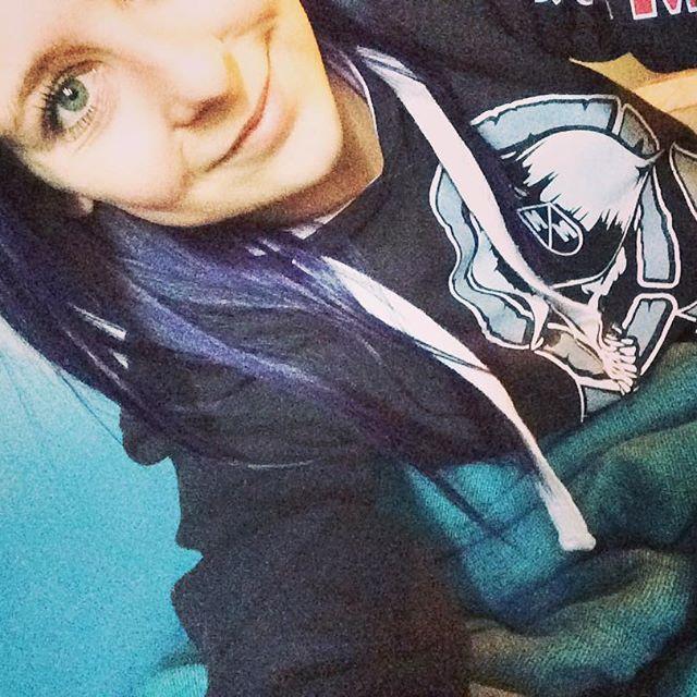 Top 100 dark purple hair photos #monday #mondaymorning #mondayblues #purplehair #darkpurplehair #crazyhair #blueeyes #metalmulisha #mm #hoodies #morninghairdontcare 🙈 See more http://wumann.com/top-100-dark-purple-hair-photos/