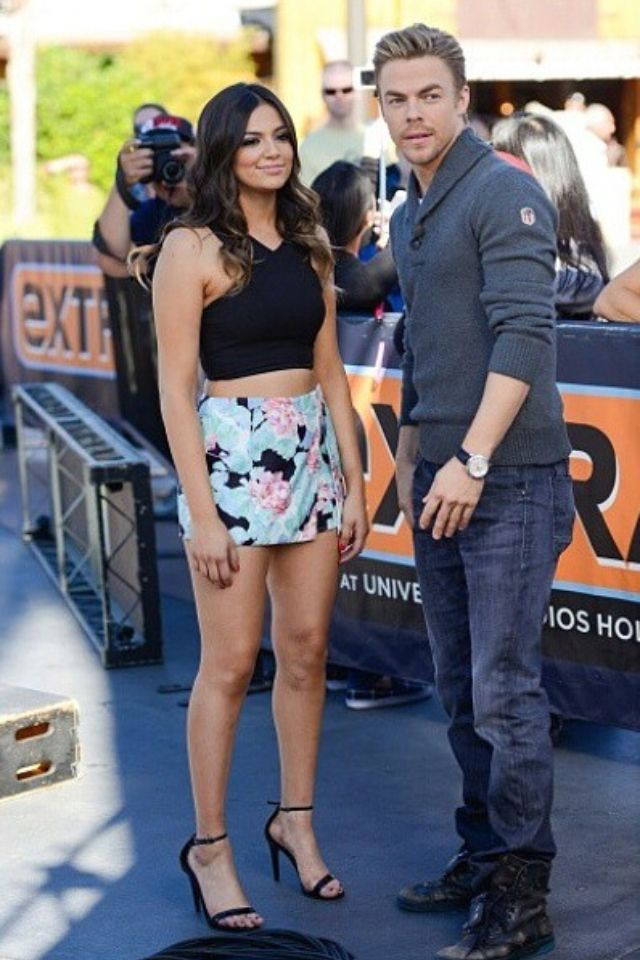 Youtuber Dancer Bethany Mota And Her Dwts Partner Derek Hough At The Extra Event In Los Angeles California Dancing With The Stars Derek Hough Bethany Mota