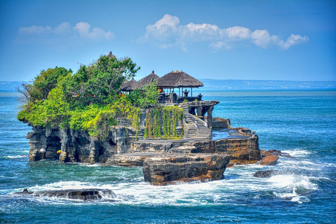 Tanah Lot Temple Bali Tanahlot Baliindonesia Travel