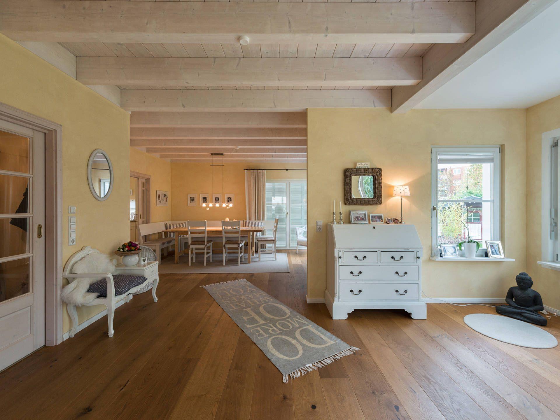 Wohnbereich im Haus Design 237 von Frammelsberger Holzhaus • Mit ...
