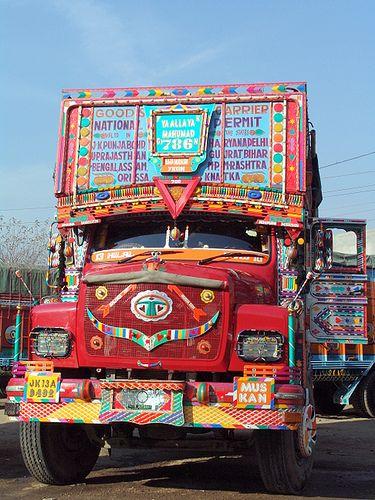Indian Truck With Images Truck Art Truck Art Pakistan Hippie Bus