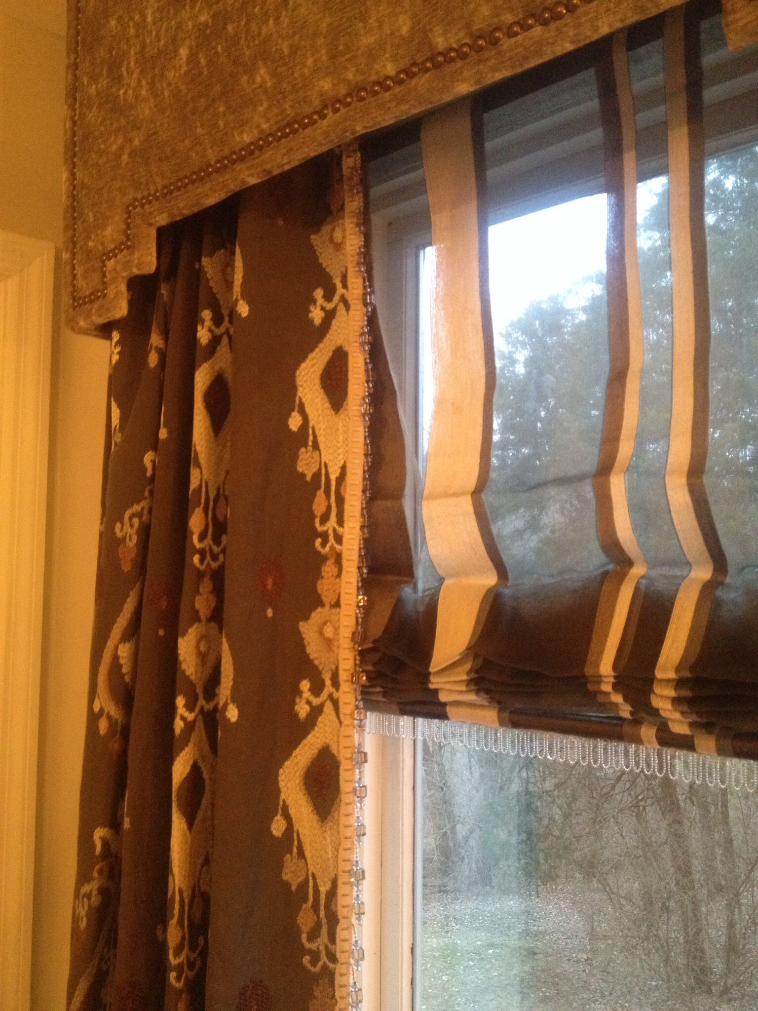 Great Ethnic Print D Ry With Sheer Roman Shades Under
