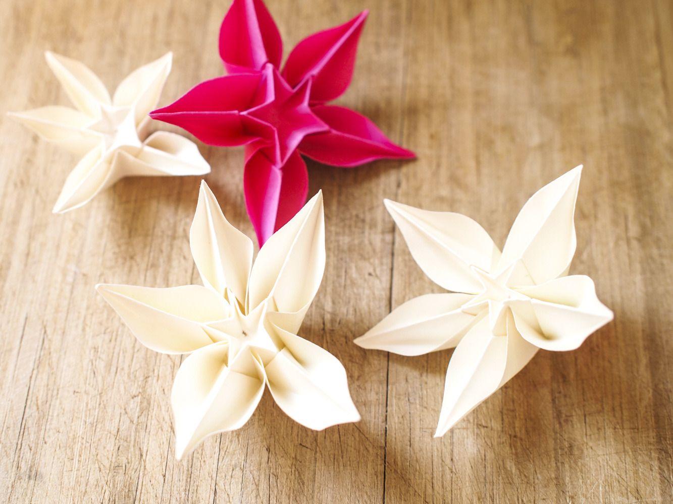 D coration de table en origami fleurs exotiques mariage et autres v nements accessoires de - Pliage serviette en etoile ...