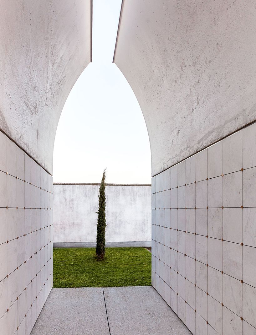 Padiglioni Cimiteriale by CN10 architects